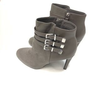 Sam & Libby Stiletto High Heels With Buckle Detail